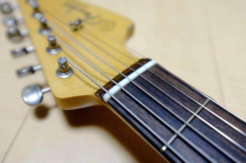 Jazzmaster 牛骨ナット
