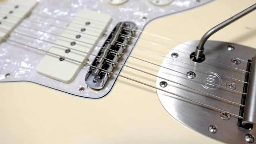 Fender ROAD WORN JAZZMASTERJAZZMASTER KTS PR-Mu チタンサドルとMastery Vibrato