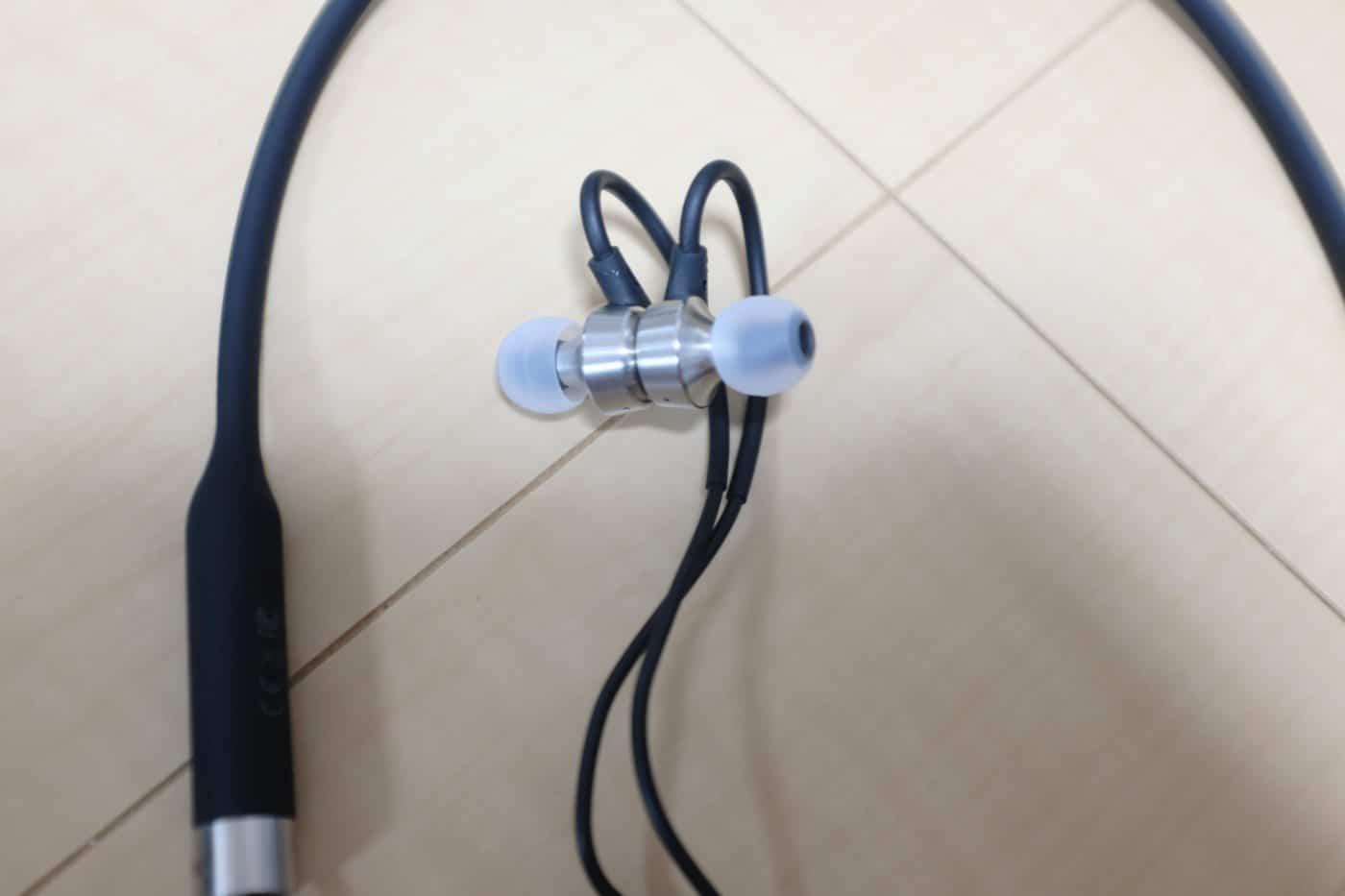 RHA MA750 Wireless 磁石でくっつく